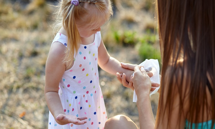 Do Baby Wipes Kill Bacteria – A Baby Hygiene Guide