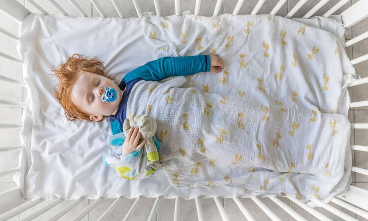 How To Keep Your Baby Warm In Their Crib
