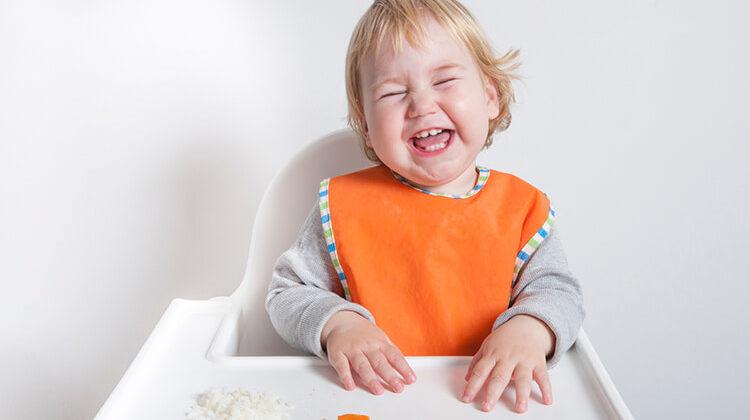 How To Knit A Baby Bib: Easy Baby Bib Knitting Pattern