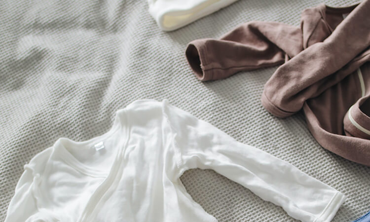 How To Whiten Knitted Baby Clothes Effectively