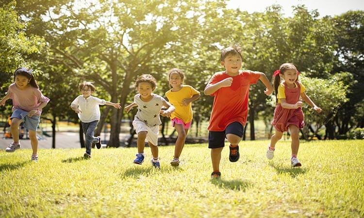 What Are The Benefits Of Outdoor Play?