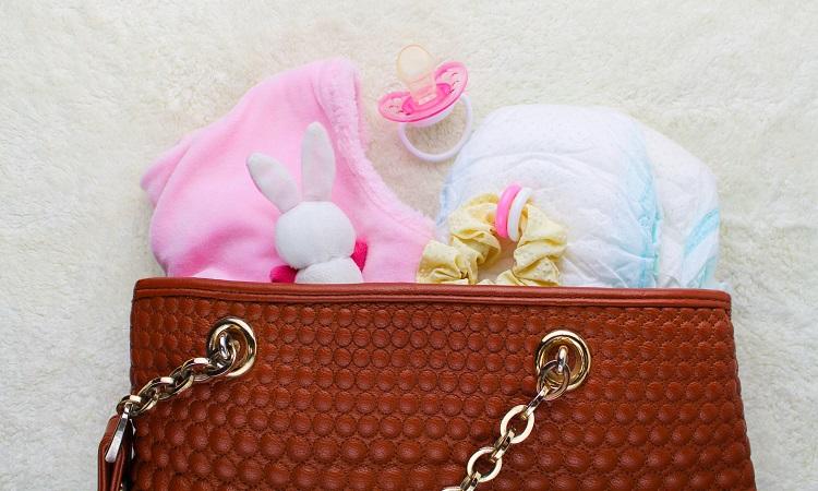 What To Put In A Diaper Bag A Helpful Checklist