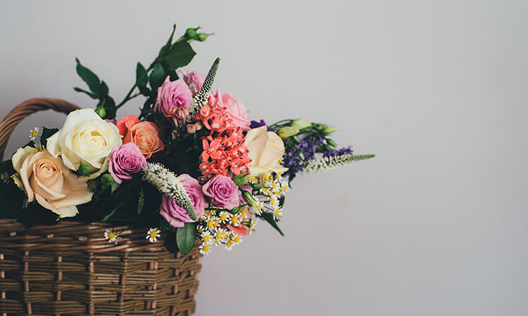 How To Make A Bouquet Out Of Baby Socks For Craft Lovers