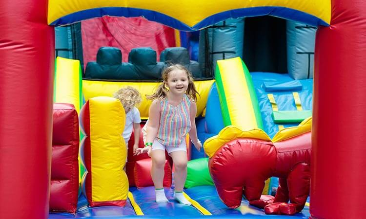 How-To-Start-An-Inflatable-Bouncer-Business