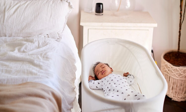 How-To-Train-Your-Baby-To-Sleep-In-A-Crib