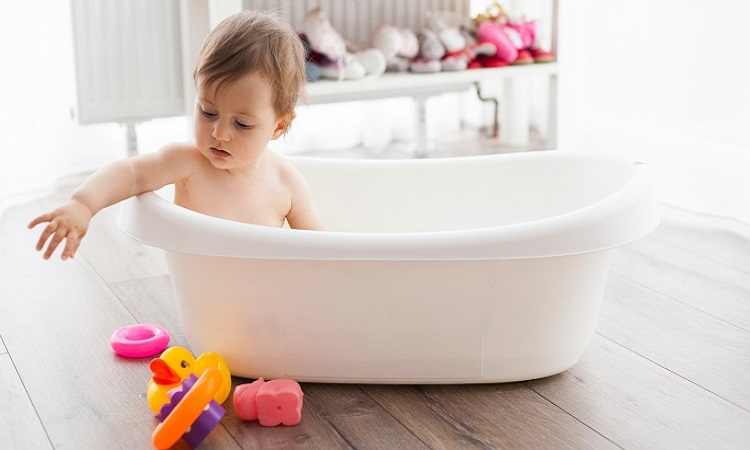 The-7-Best-Baby-Tubs-For-Infants-and-Toddlers