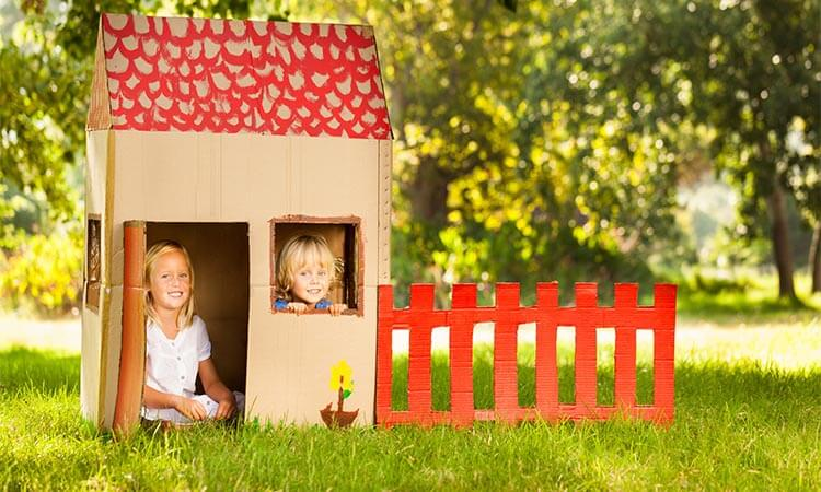 The-7-Best-Backyard-Playhouses-For-Pretend-Play