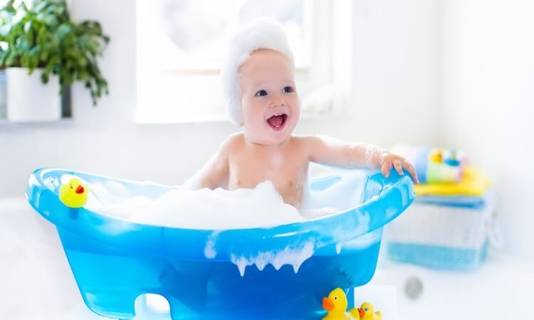 The 7 Best Moisturizing Baby Shampoos For Baby's Scalp