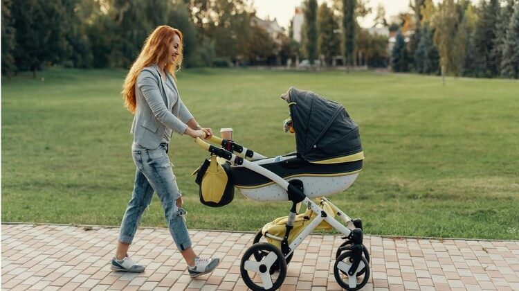 The 7 Best Reversible Baby Strollers For Baby's Day Out
