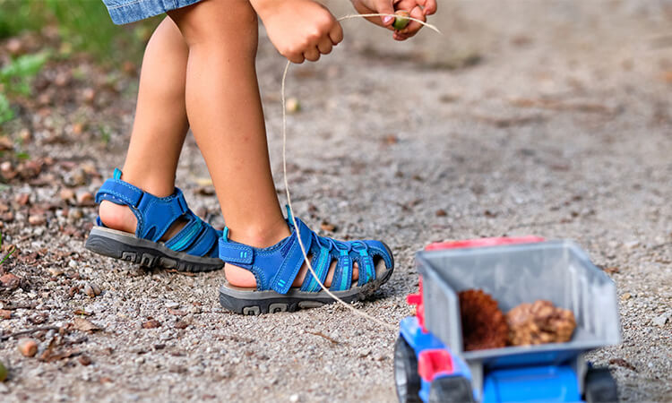 The-7-Best-Toddler-Closed-Toe-Sandals