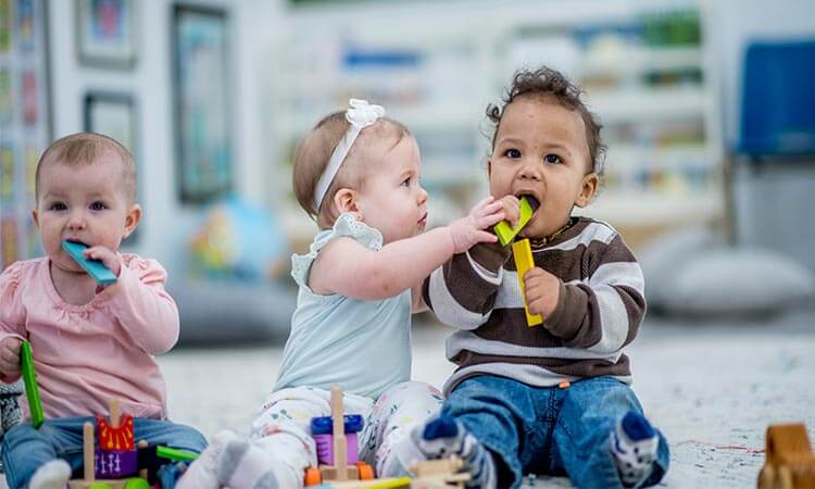 The-7-Best-Toys-For-Babies-3-6-Months