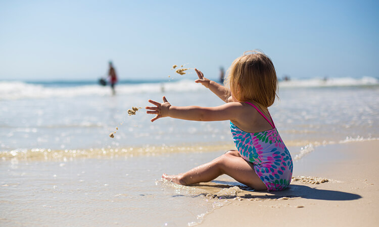 The 7 Best UV Swimwear For Babies' Sun Protection